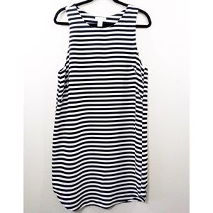H&M Dress Large Sleeveless Pullover Striped Shift